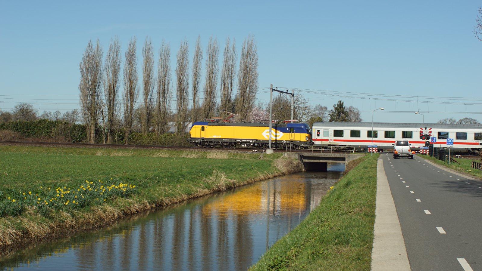 NS 193 766 ri Apeldoorn